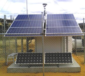 BAM1020%20solar%20powered%20outside